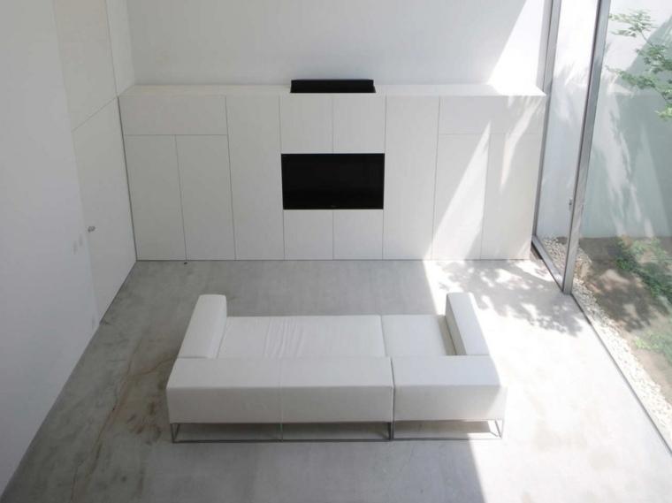 salon-minimalista-diseno-sofa-blanco