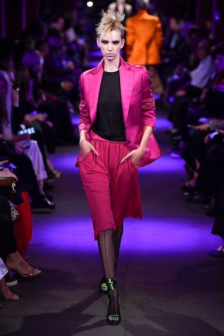 traje-color-rosa-neon