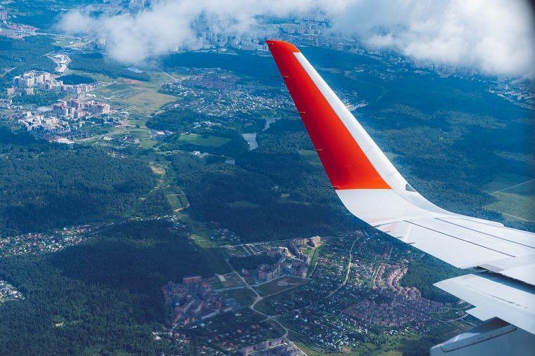 Coronavirus prevención viaje-avion