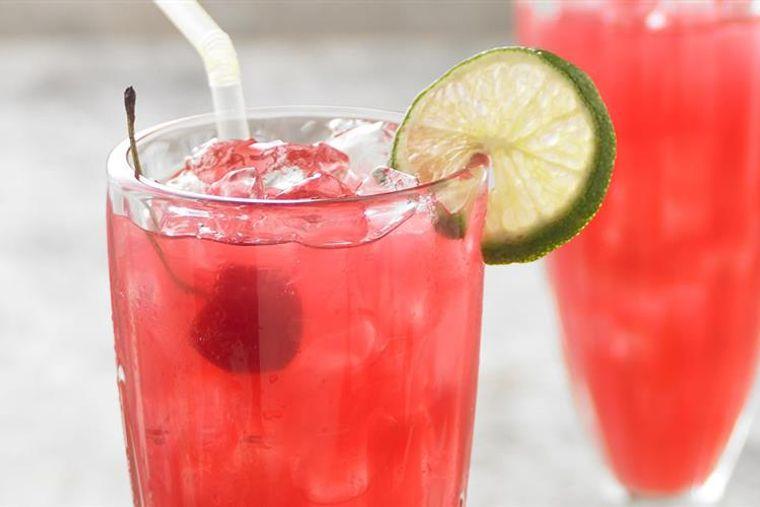 bebidas refrescantes mocktail cereza