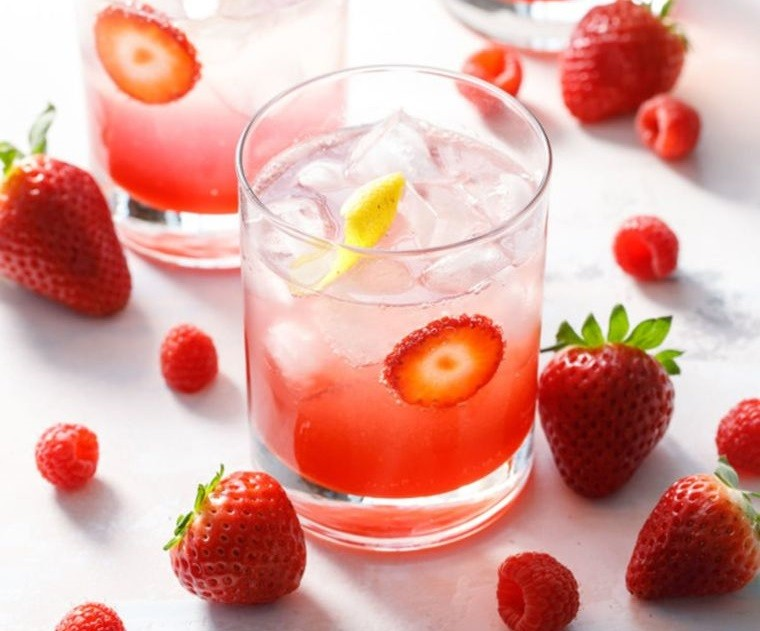 bebidas refrescantes mocktail fresas
