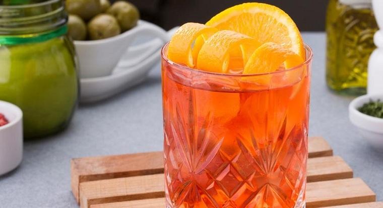 Cócteles con alcohol – Recetas fáciles para refrescar el verano