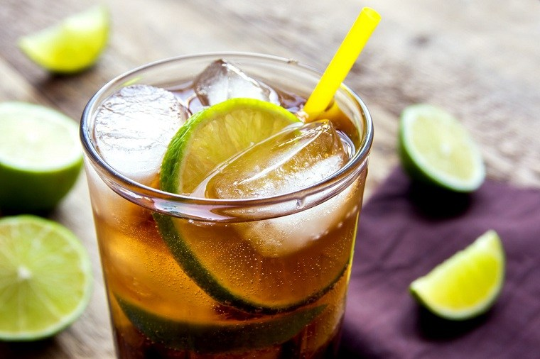 cocteles-mexicanos-hacer-casa-charro-negro