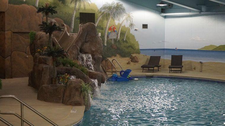 condominio supervivencia piscina