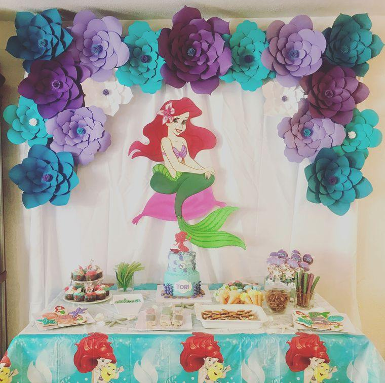 decoración de cumpleaños rosas papel