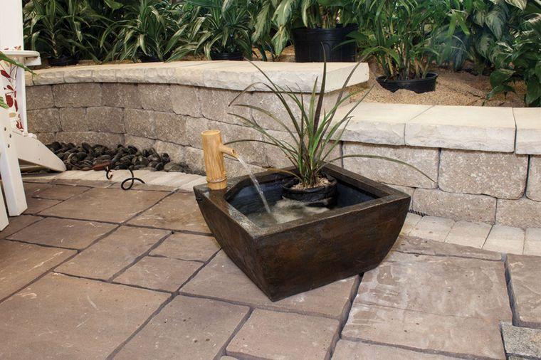 estanque pequeño patio