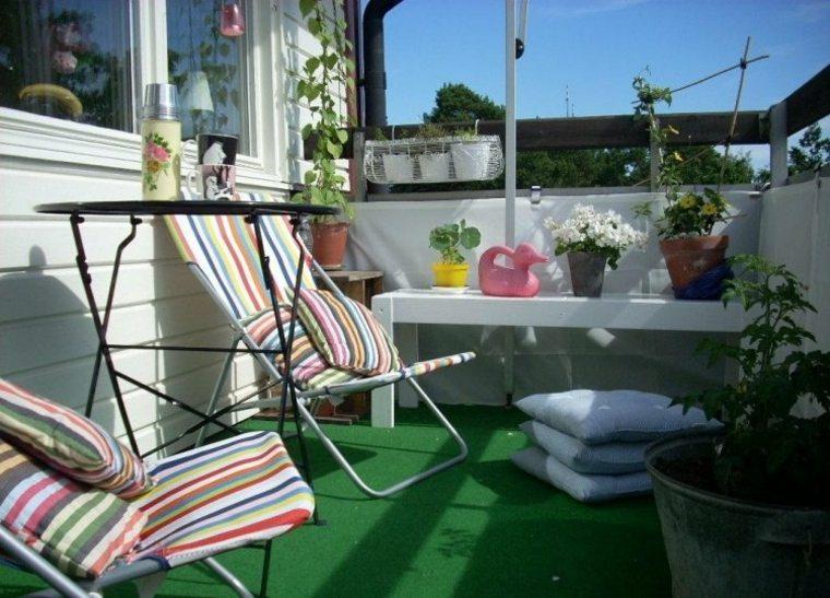 ideas-creativas balcon cesped artificial