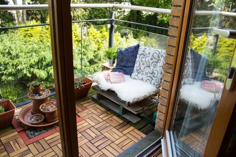 ideas creativas balcon piso madera