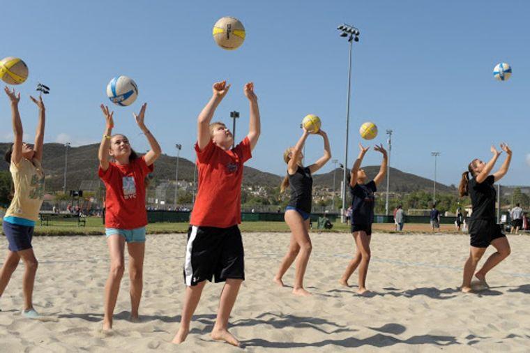 juegos para entretenerse niños playa