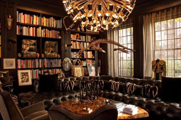 muebles-cuero-salon-chimenea