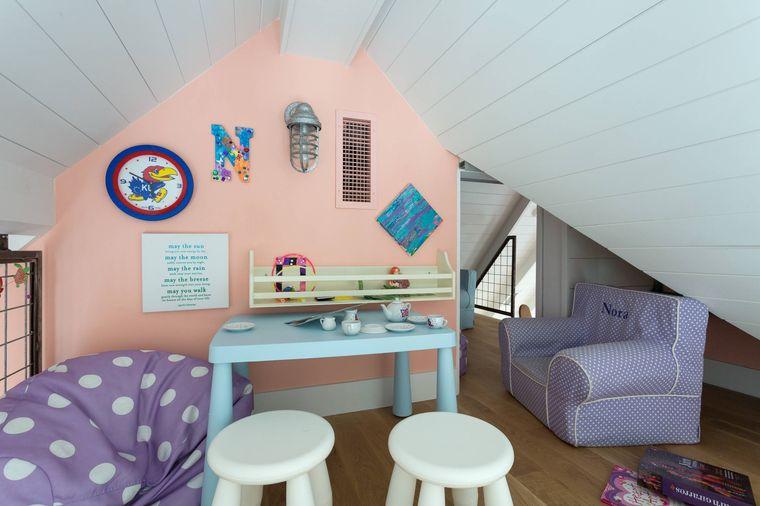 sala de juegos colores pasteles