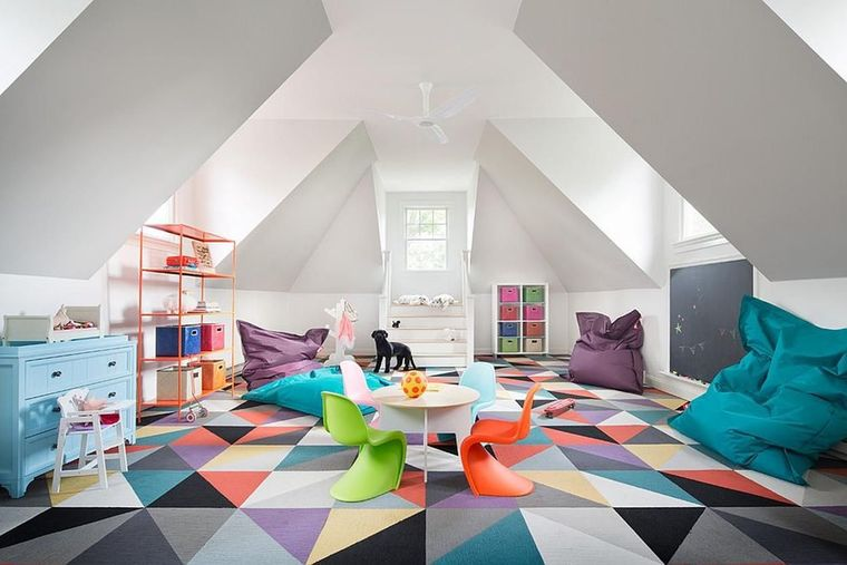 sala de juegos colorida