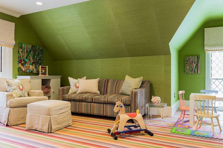 sala de juegos pared verde