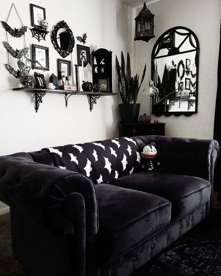 sofa-color-negro-salon-gotico