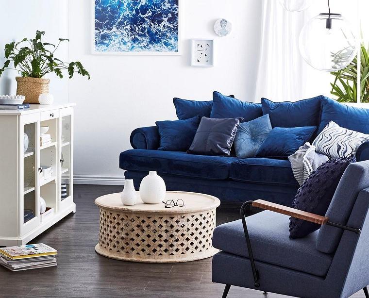 sofas-pequenos-azul-blanco-salon