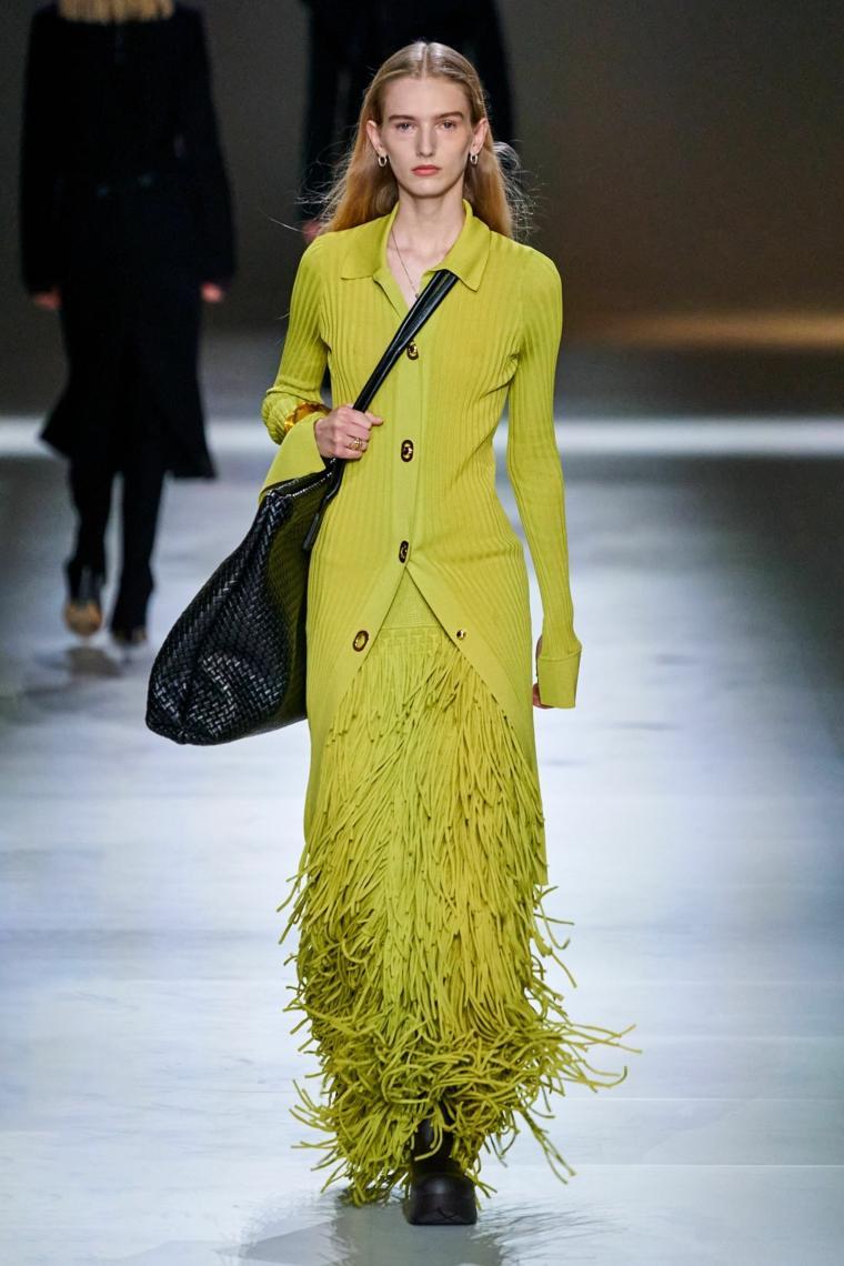 Bottega-Veneta-traje-verde-ideas