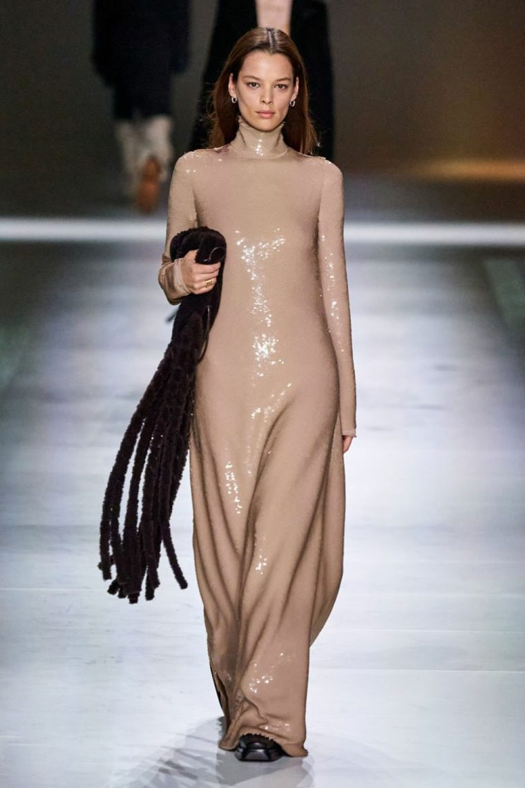 Bottega-Veneta-vestido-largo
