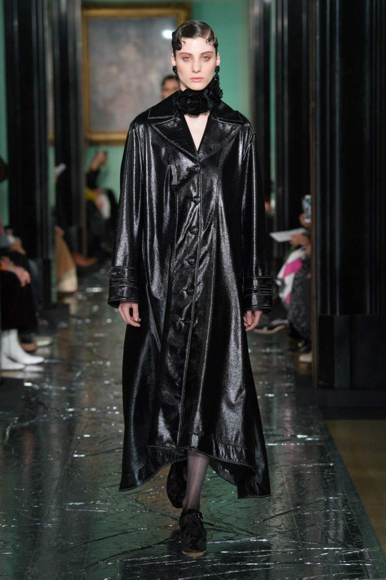 Erdem-moda-cuero-ideas-2020