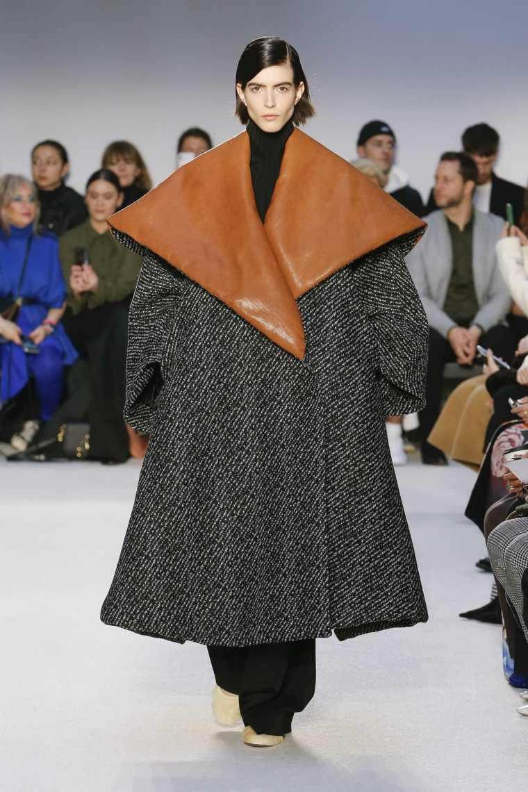 JW-Anderson-abrigo-ancho-otono