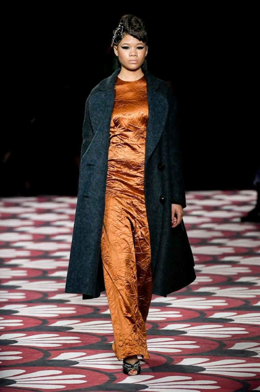Miu-Miu-vestido-largo-abrigo