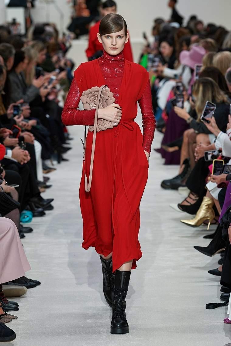 Valentino-color-rojo-invierno-estilo