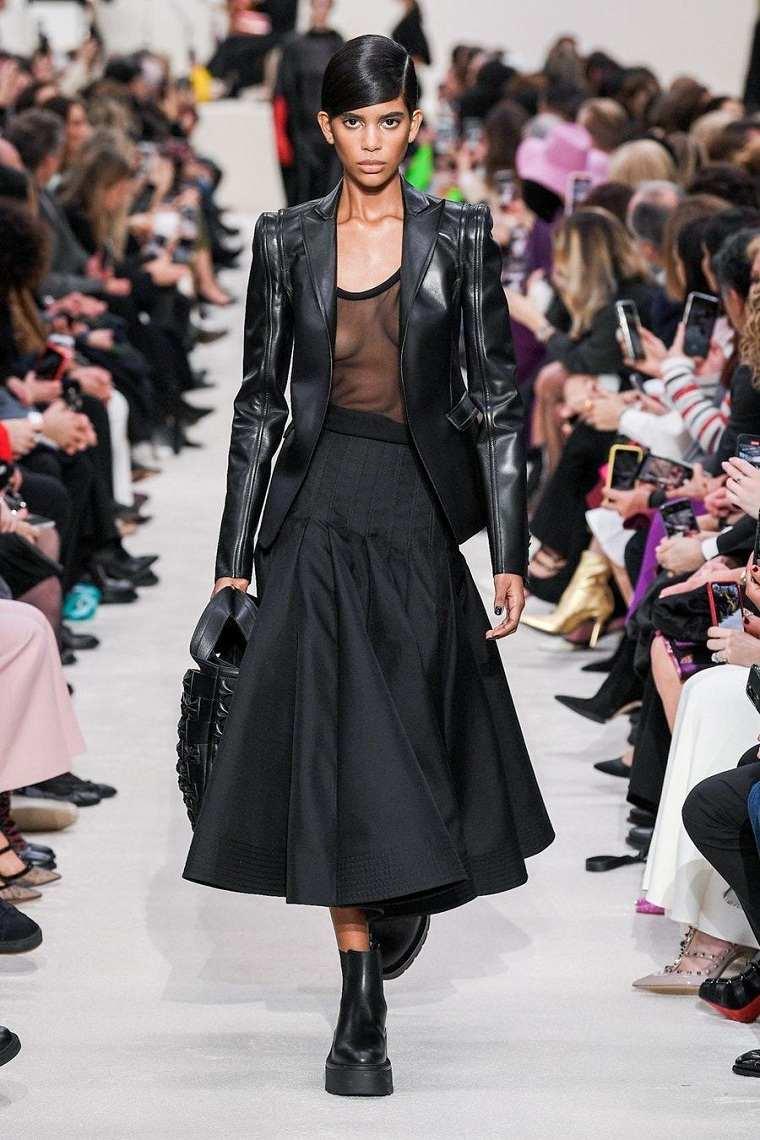 Valentino-falda-negra-larga