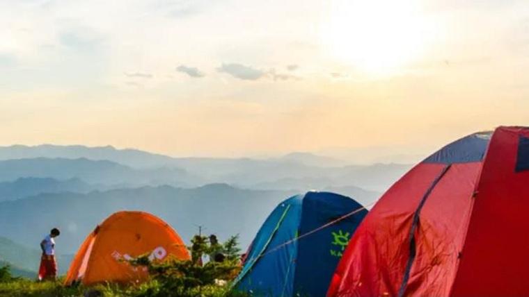 ¿Por qué ir a acampar podría ser la respuesta a sus problemas de cierre durante las vacaciones?