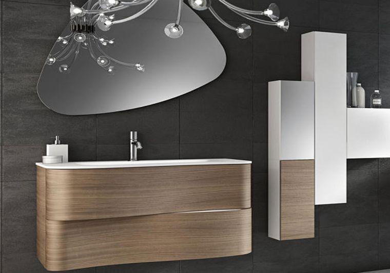 baños modernos espejo asimetrico
