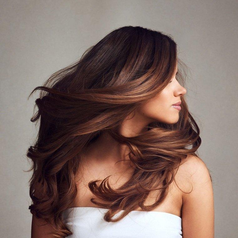 Consejos para deshacerse del cabello encrespado en la humedad