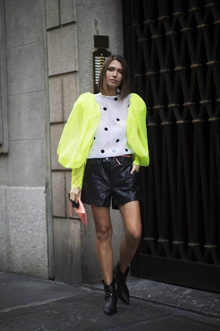 chaqueta-color-neon