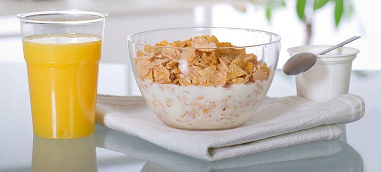 combinación de alimentos dañina cereal jugo