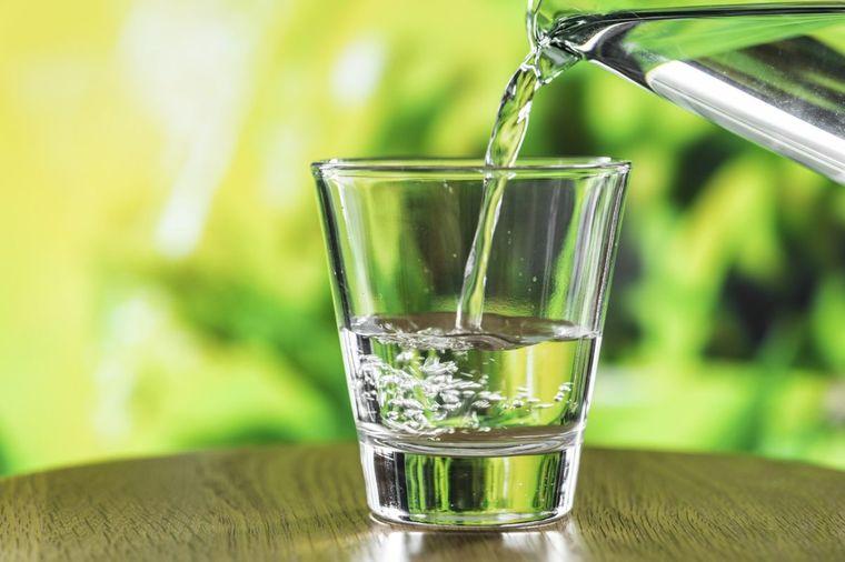 combinación de alimentos dañina frutas luego agua
