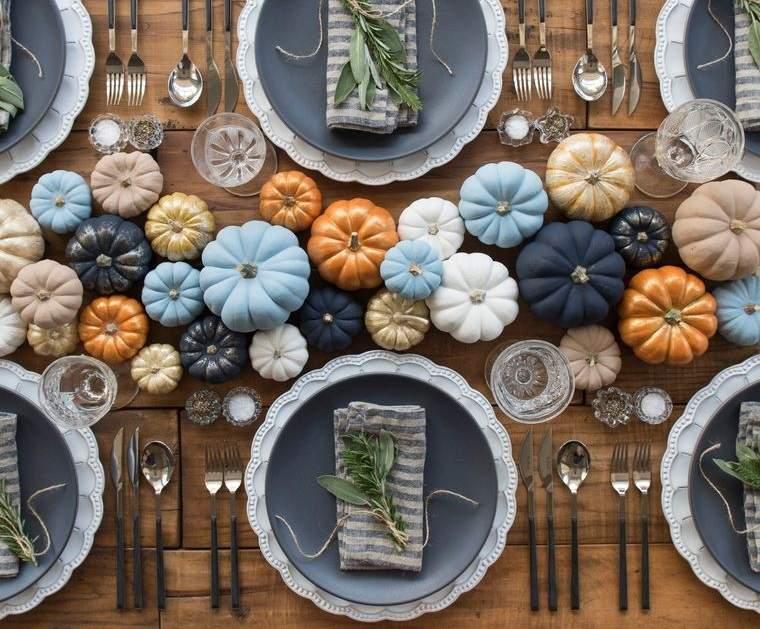 decoración mesa calabazas colores