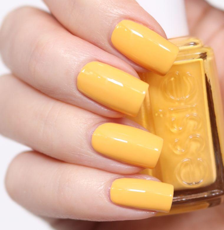 diseno-unas-naturalidad-color-amarillo