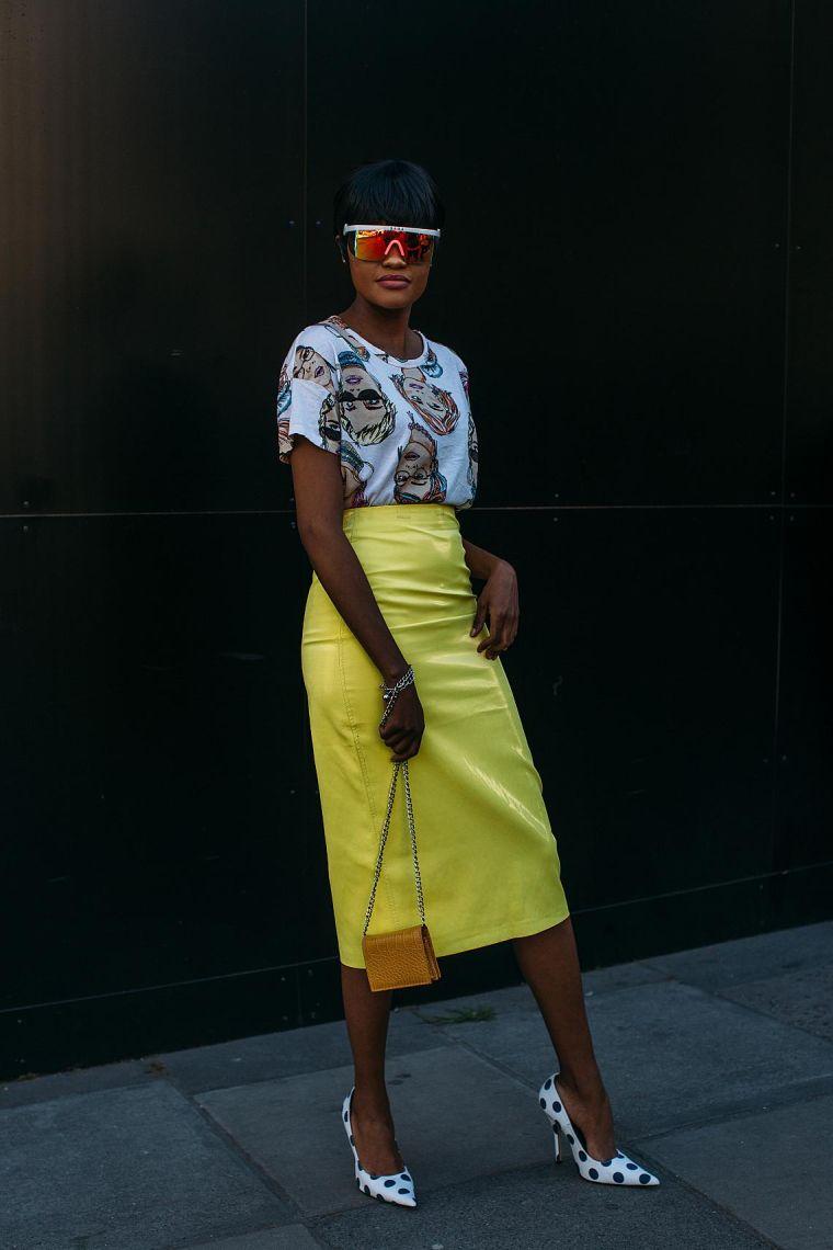 falda-hasta-rodilla-color-neon