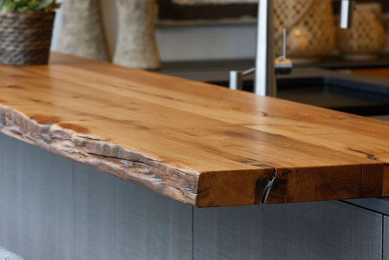 Encimeras de cocina de madera – Las ventajas de la madera en el diseño de la cocina