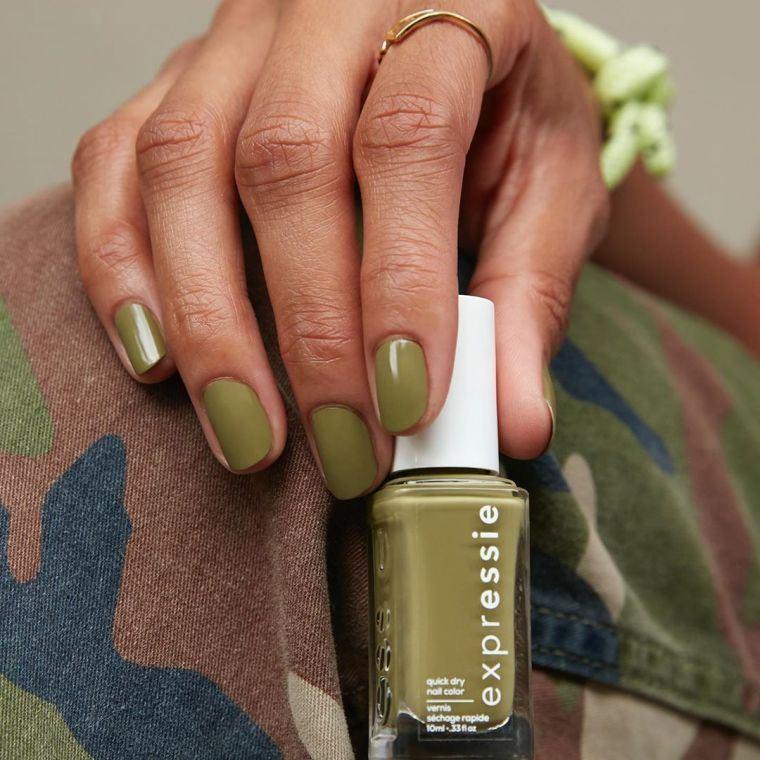 manicura-moda-unas cortas- color-verde