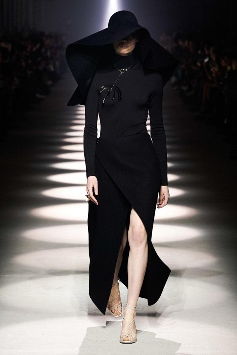 moda-otono-invierno-2020-color-negro