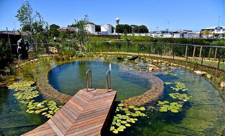 piscina natural escaleras