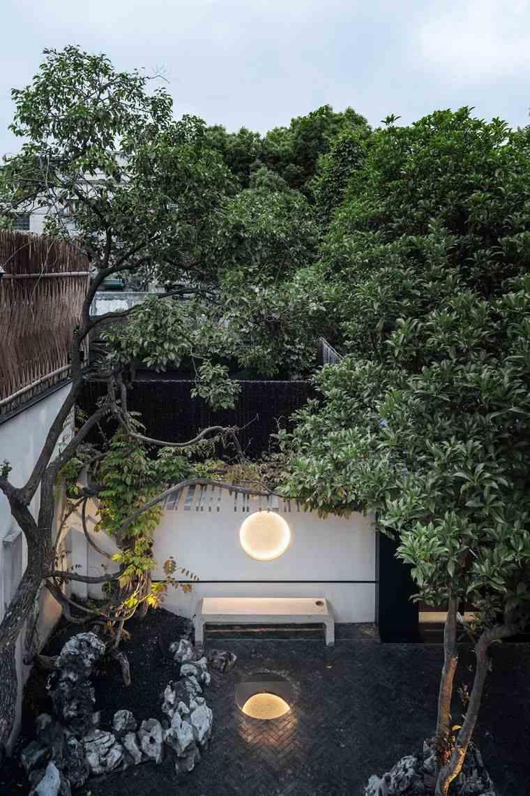 proyecto casa escondida pequeño jardin