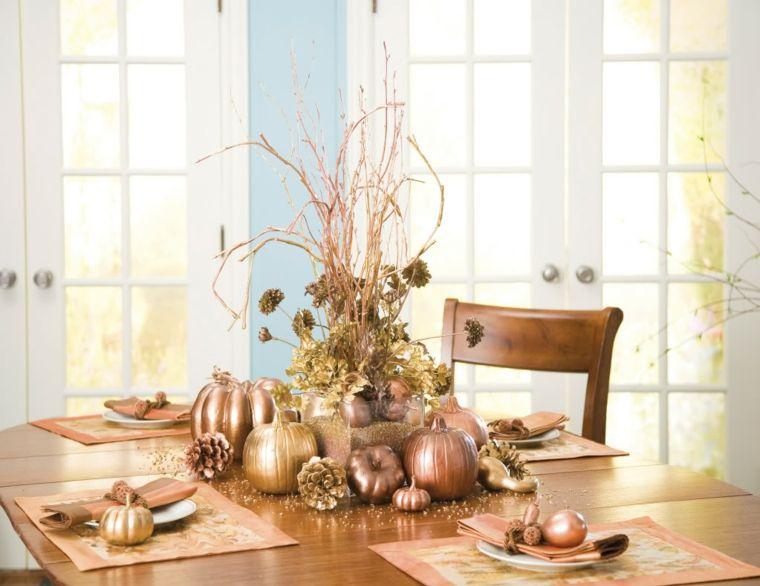 salón comedor mesa decoracion dorada