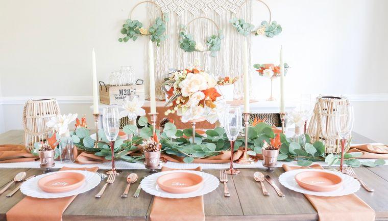 salón comedor rosa verde otoño