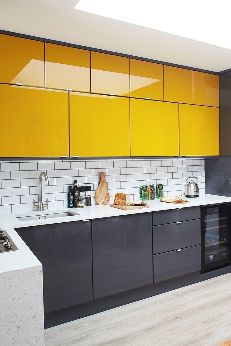 armarios-cocina-opciones-gris-amarillo-estilo
