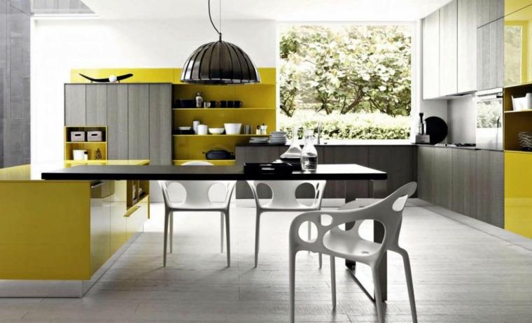 cocina-amplia-luminosa-consejos-uso-amarillo