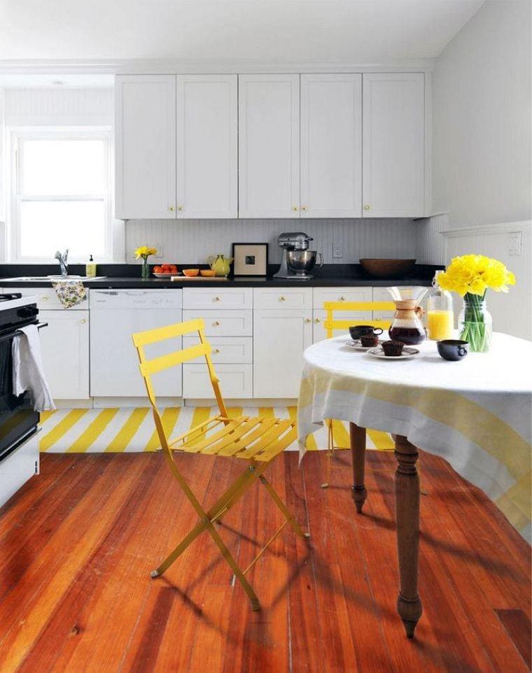 cocina-blanca-detalles-amarillo-estilo