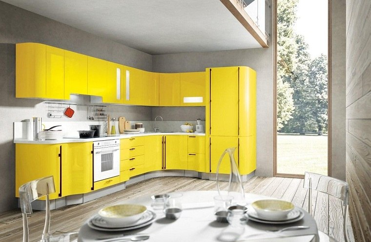 cocina-forma-l-color-muebles-amarillo