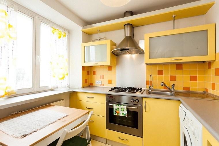 cocina-pequena-amarilla-muebles-ideas