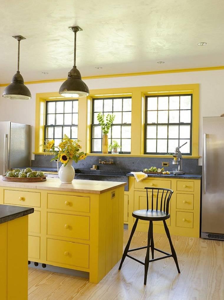 Cocinas color amarillo-gris-encimeras