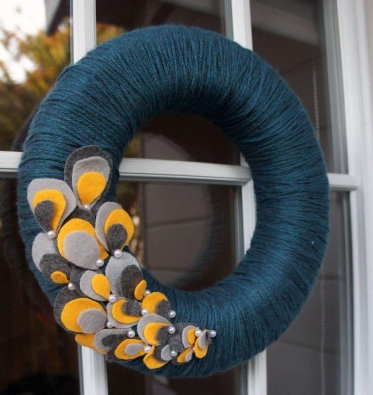 corona hilo azul decoracion