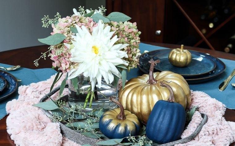 decoración de mesas de comedor dorado azul